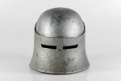 Helm mit Visier