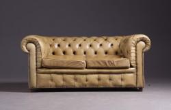 Chesterfield-Sofa, Zweisitzer