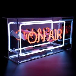 'On Air', Neonschrift