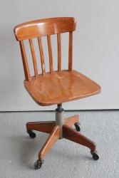 Büro- oder Werkstattstuhl mit Rollen