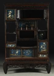 Japanischer Schrank, Antik